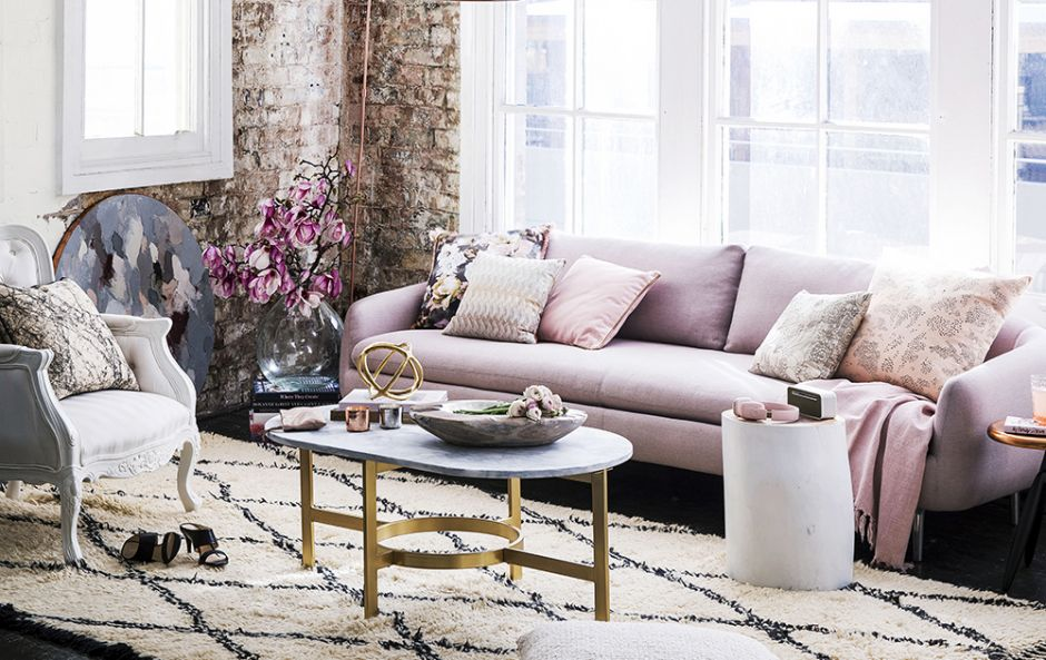 GET THE LOOK: THE PINK, METALLIC AND MARBLE LOUNGING LOOK