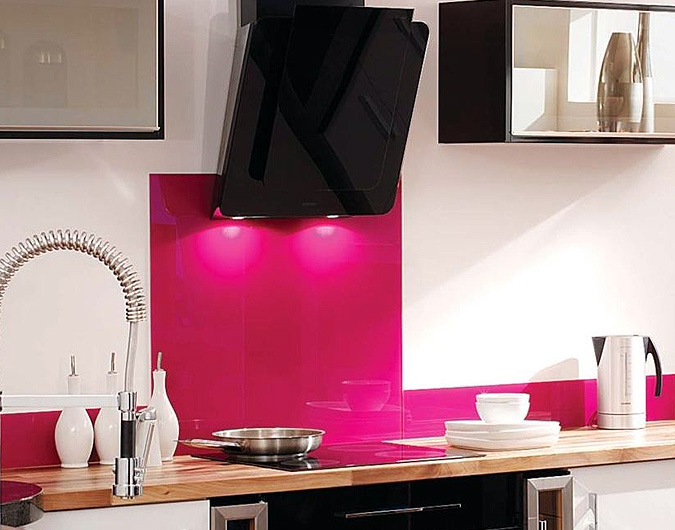 Fuchsia colour glass