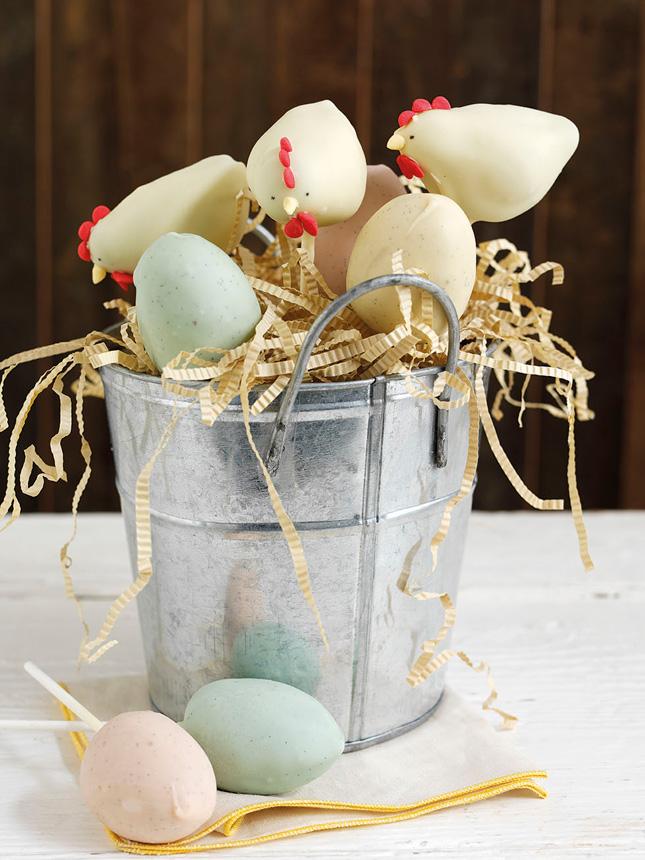 Hen and egg cake pops