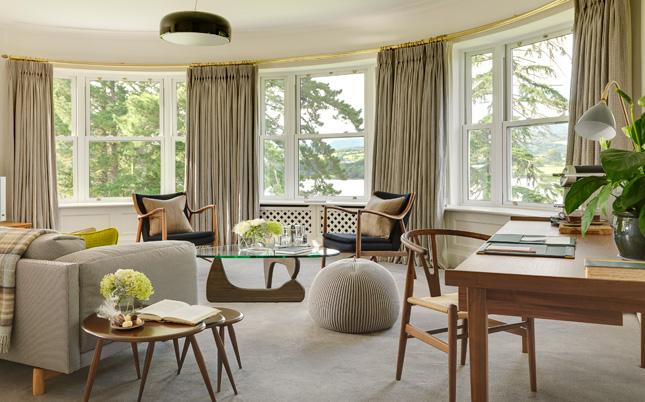 signature-suite-sitting-room