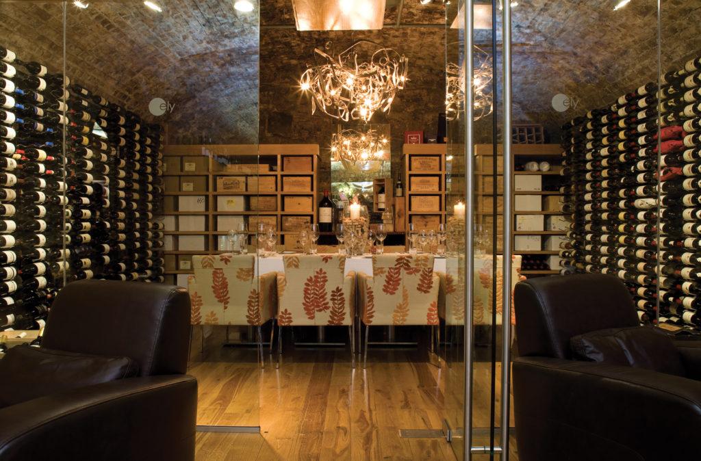wine-room-dining