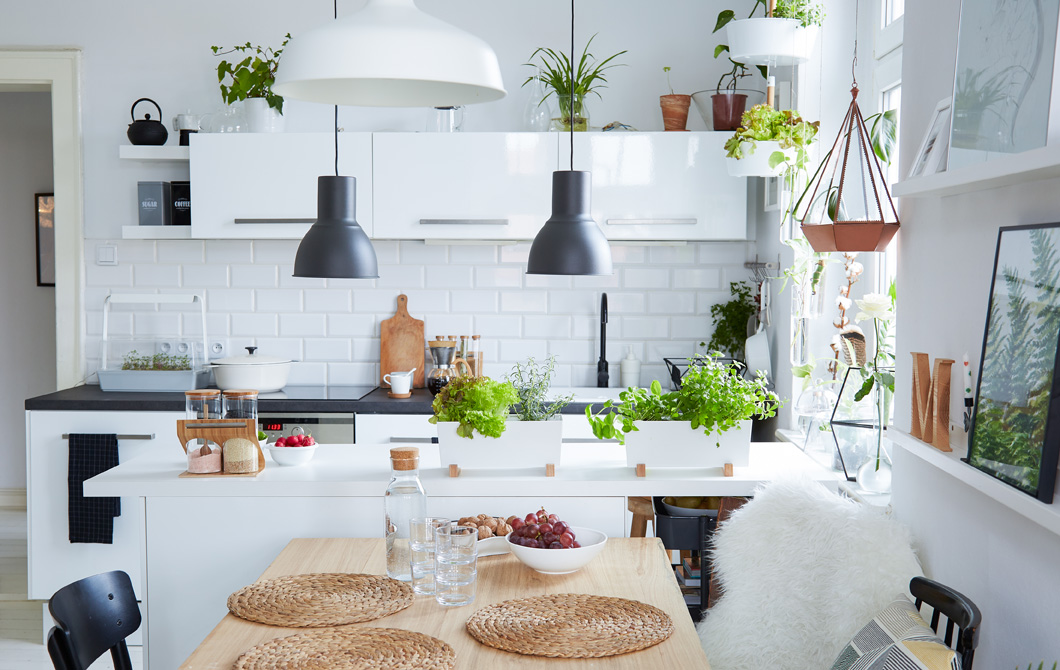 9 ikea kitchen essentials that look more expensive than for Ikea kuchen inspiration