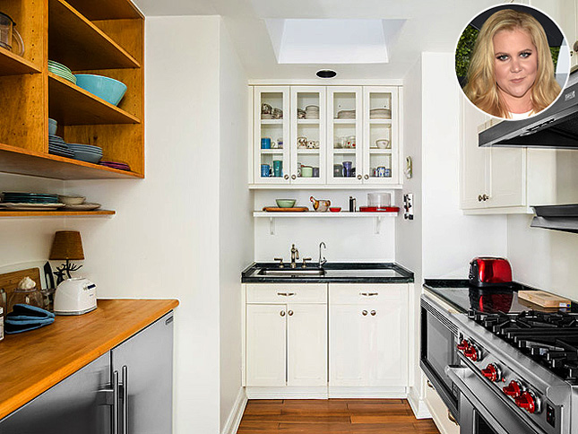 If Youu0027ve Ever Wondered Where Amy Schumer Makes Her Sandwiches, Here It Is!  The Compact Kitchen Is Built Into Her NYC Apartment, And Weu0027re Kind Of In  Love ...