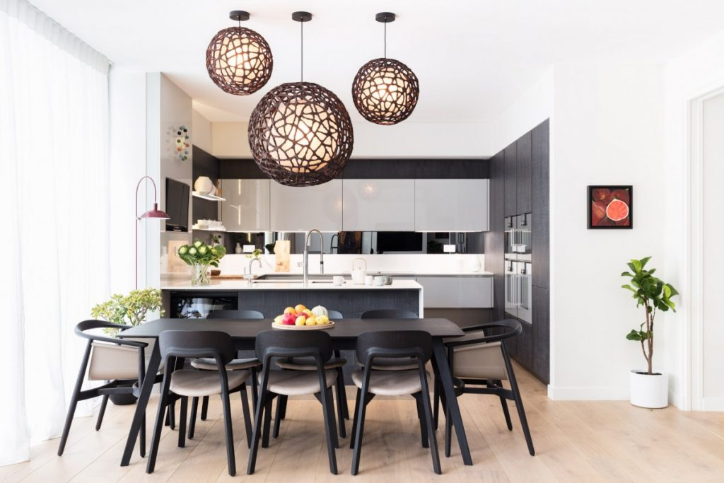 5 lighting ideas to brighten up your dining table for Dining room lighting uk