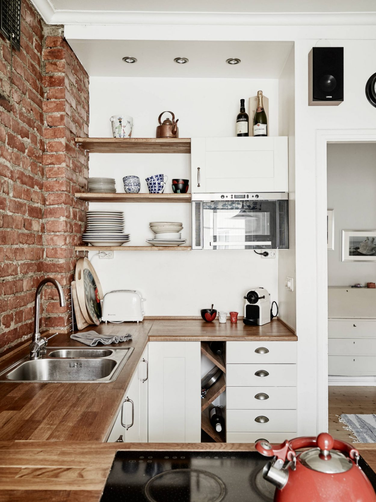 10 ways to make your small kitchen look bigger | HouseAndHome.ie
