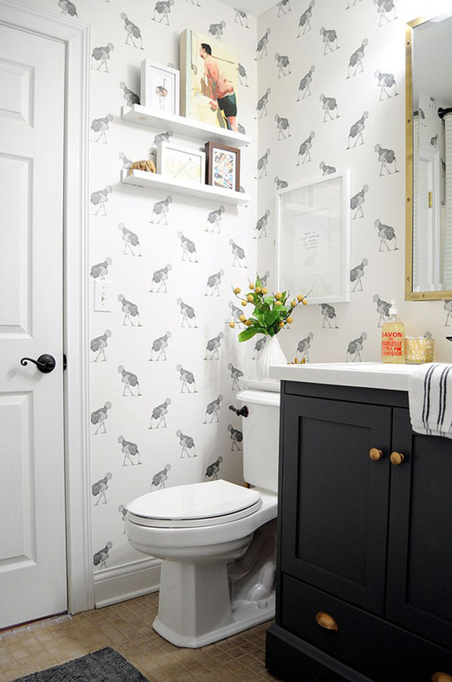 17 times that wallpaper in a bathroom stole the show ...