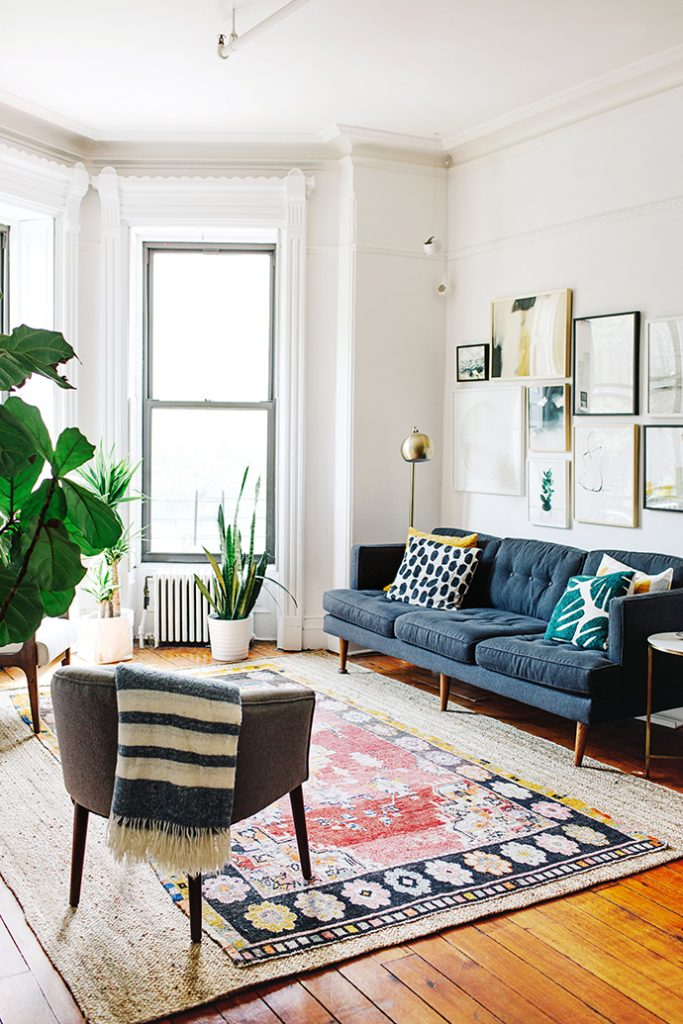 this beautiful 800 square foot new york apartment houses a family of