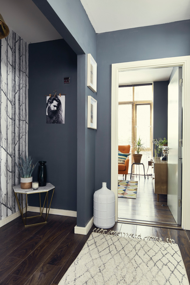 Hallway Decor: 7 Ideas That Will Make A Great First