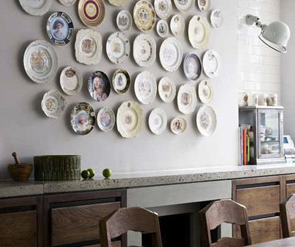 Create A Vintage Plate Display