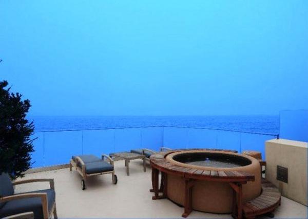 Jim Carreys Malibu home for sale  HouseAndHome.ie