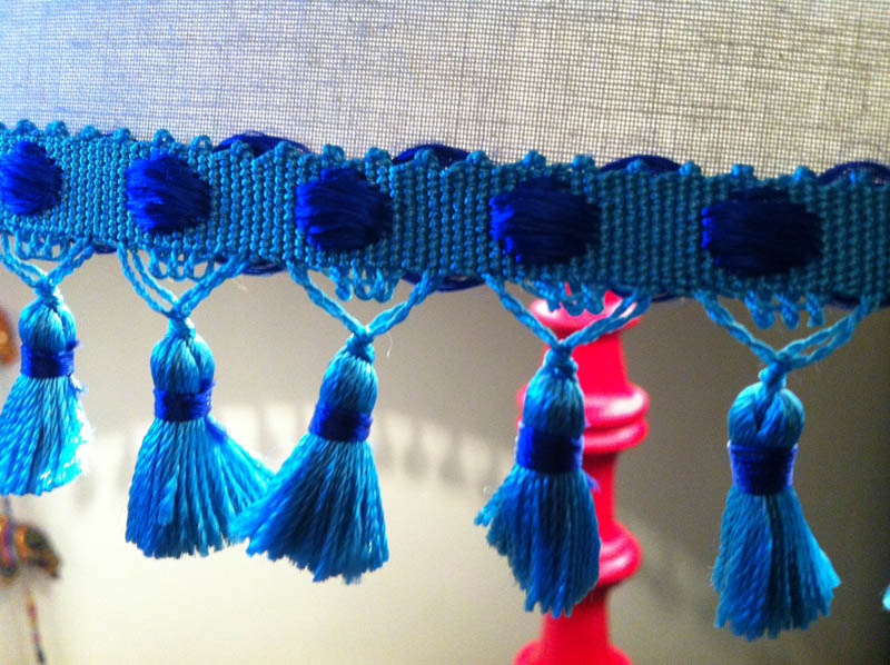 closeup of the VV Rouleaux Tassle Trim